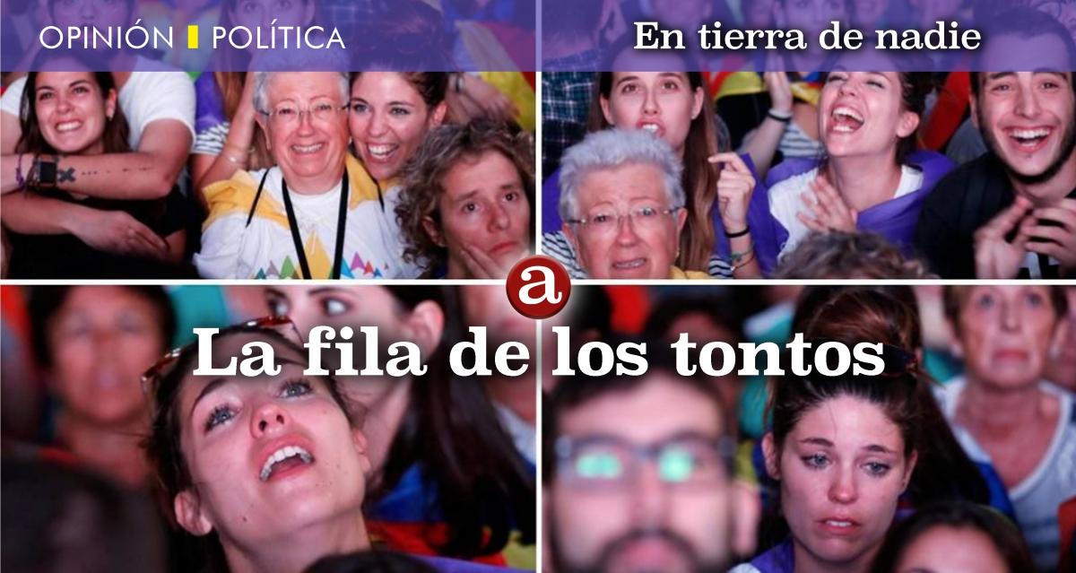 LA FILA DE LOS TONTOS. Por CarmenÁlvarez.